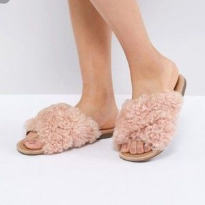 UGG Joni Flat Sandals